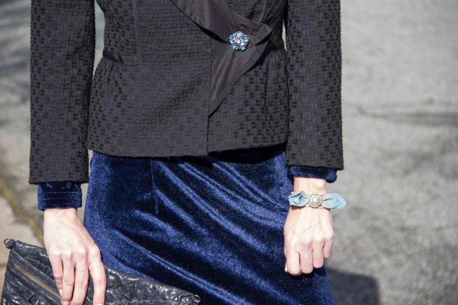 Blue Velvet , Chanel Like tweed jacket, vintage brooch