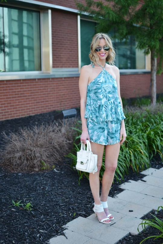 be-leaf-set-white-heels-white-bag-silver-aviators