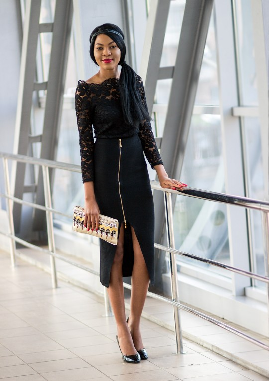 Nigerian-fashion-blogger-Modavracha-holiday-look
