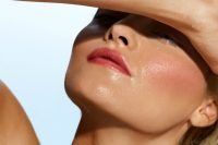 Tips on Wearing Makeup In the Summer Heat