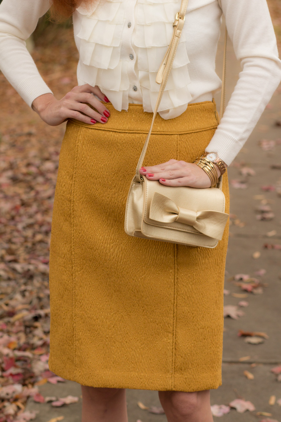 ad569b57d6 The outfit came together pretty easily, as i chose this textured gold pencil  skirt from my closet. I've been wanting to wear some winter white and this  ...