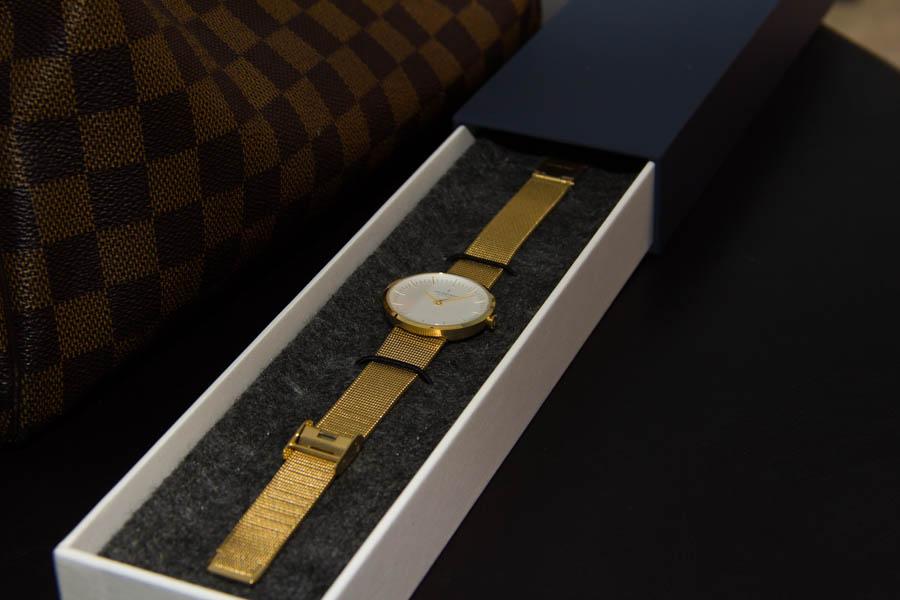 womne's gold watch