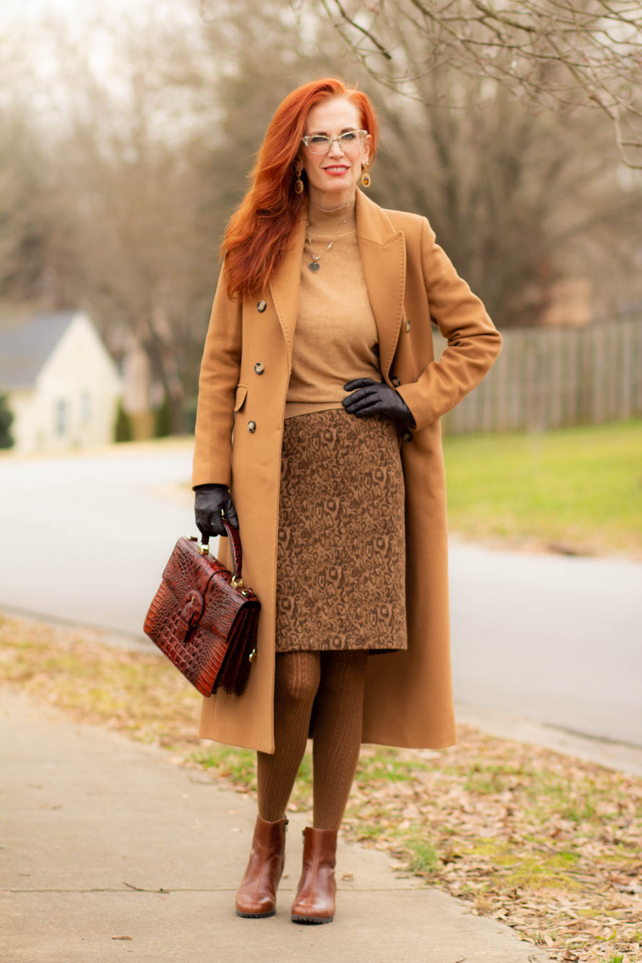 women's neutral outfit