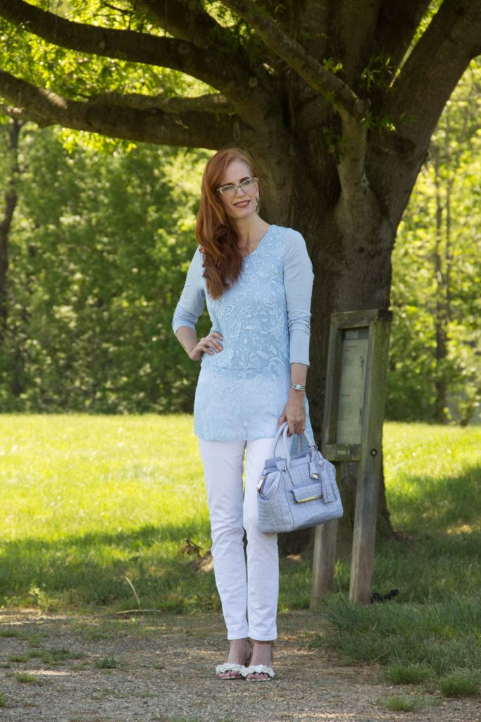 Spring outfit with white jeans