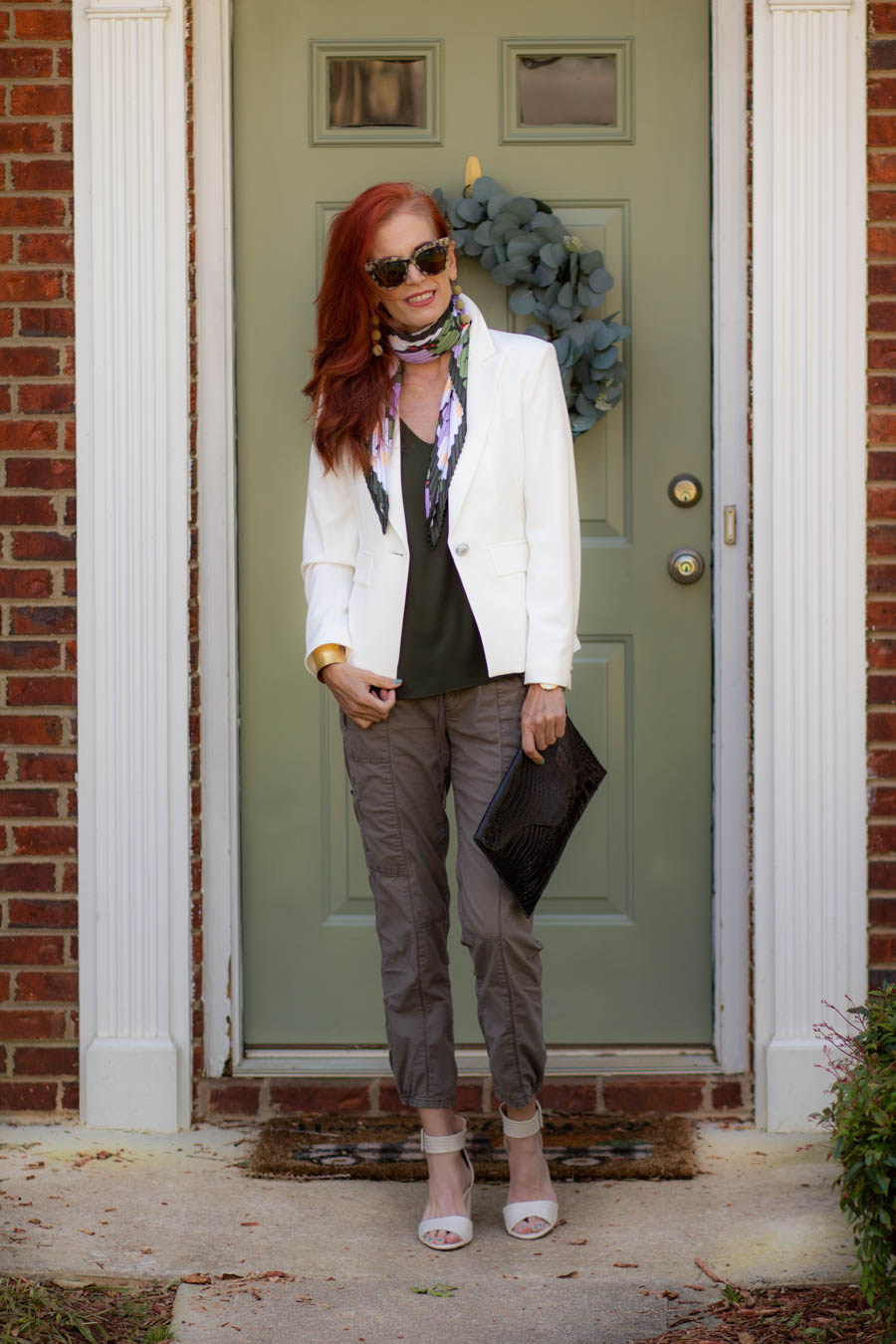 Floral print scarf with off white blazer