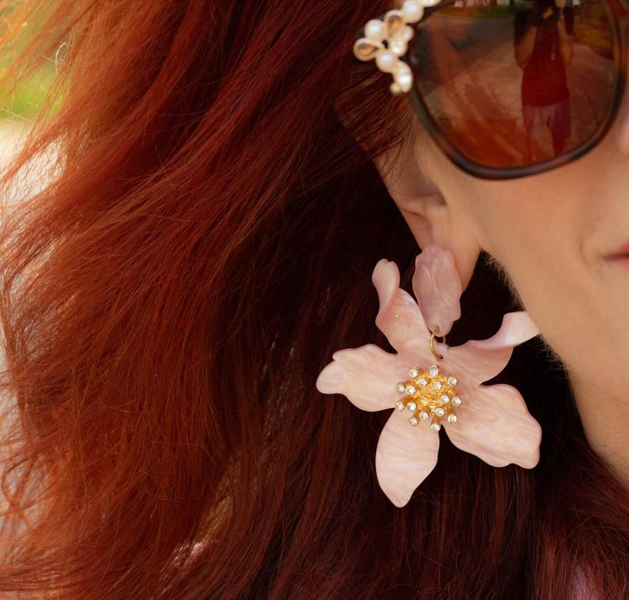 Flower earrings in pink
